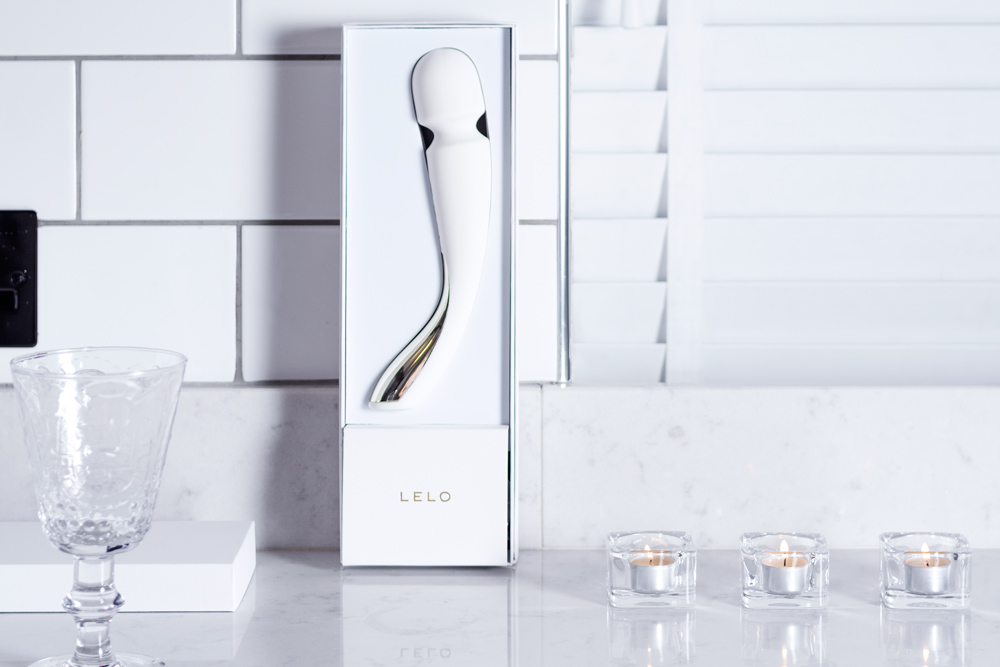 lelo smart wand medium ivory packaging