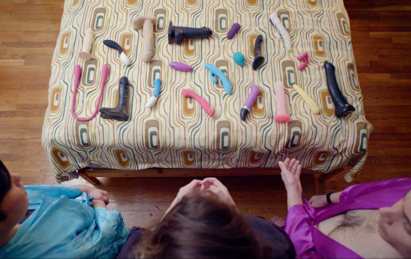 sex toys sul letto
