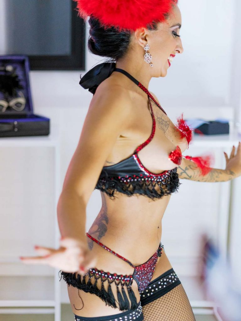 Burlesque di Ella Bottom Rouge