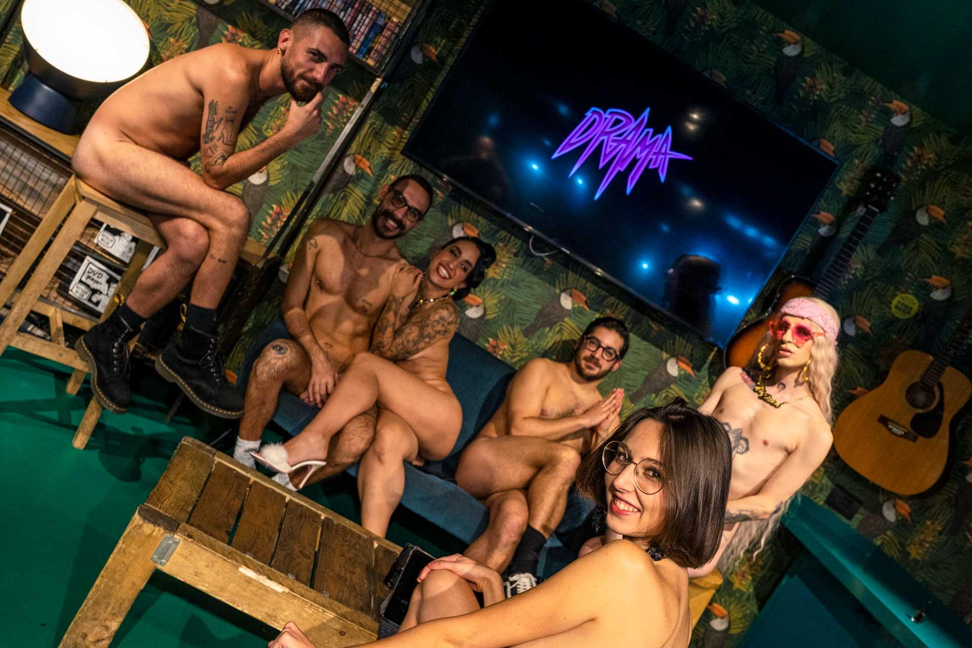 Intervista nuda con gli organizzatori di Drama Milano queer cabaret