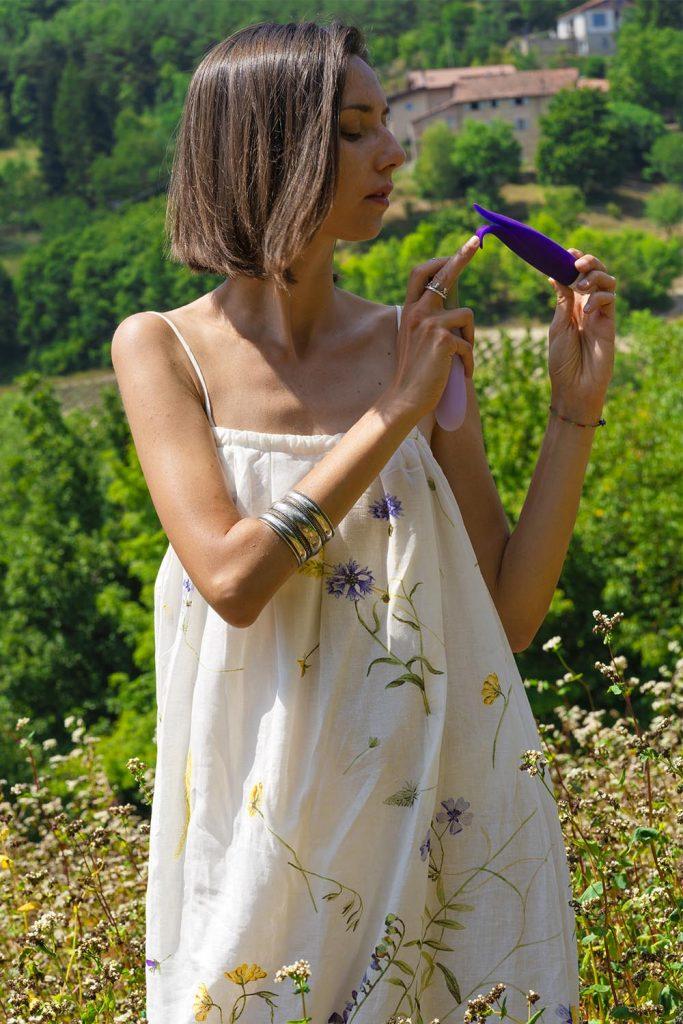 Fun Factory Volita soft tip external vibrator for vulva vlit